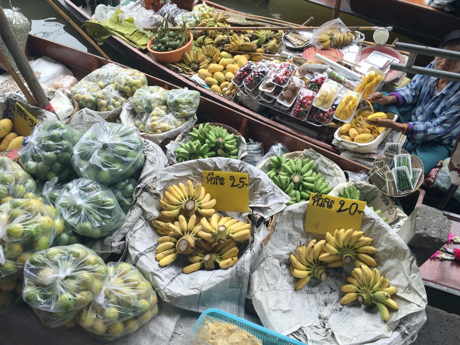 Floating Market fruits