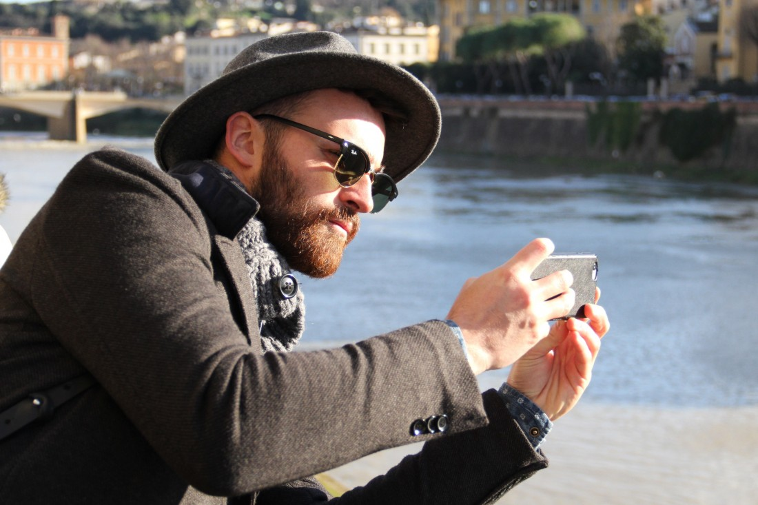 taking pictures of ponte vecchio