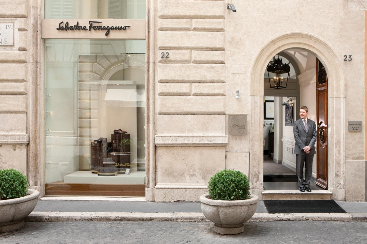 lungarno-collection_portrait-roma_entrance-photogallery