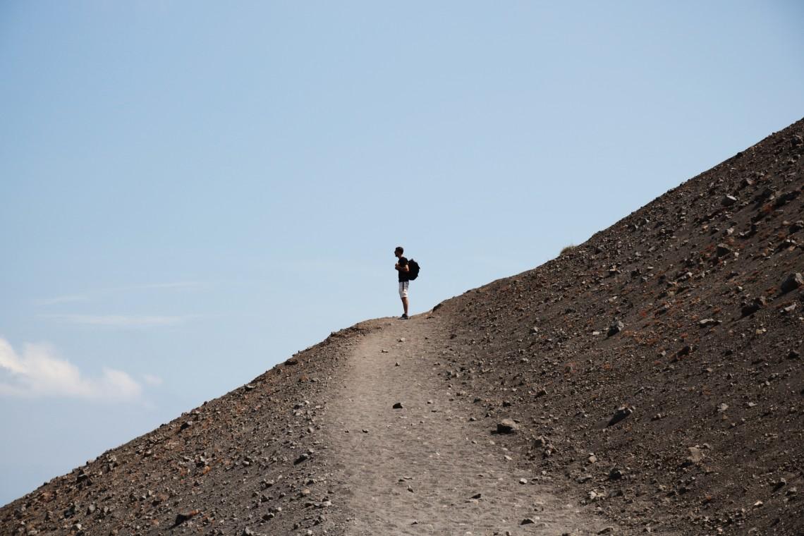 salita cratere vulcano